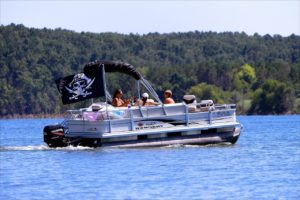 advantages-of-pontoon-boats